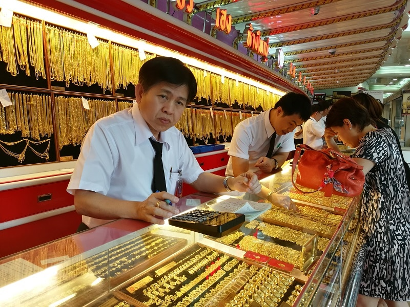 Chinatown gold shops