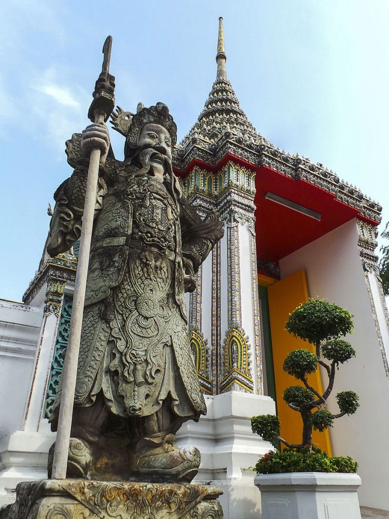 Wat Pho Chinese entrance statues